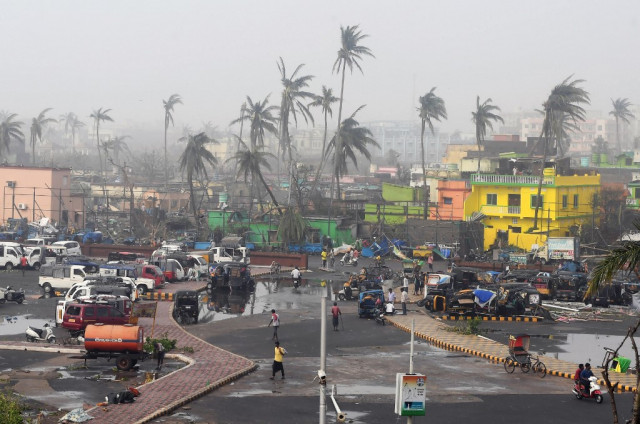 At least nine dead as cyclone barrels into Bangladesh