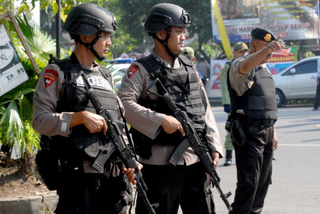 Indonesia thwarts IS-linked bomb plots: police