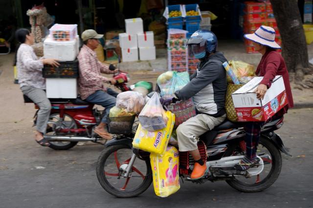 Narrow gender gap found in fintech in Cambodia
