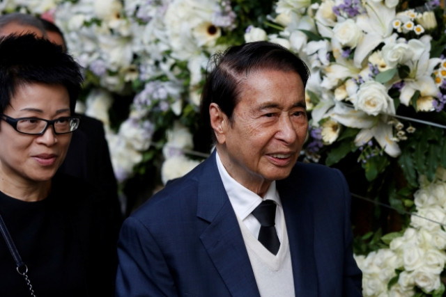 Hong Kong second wealthiest tycoon Lee Shau Kee bows out