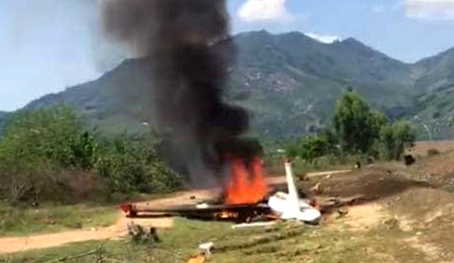 2 pilots killed in military plane crashes in central Vietnam