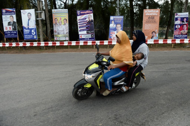 Thailand orders phone users in Muslim-majority south to submit photos