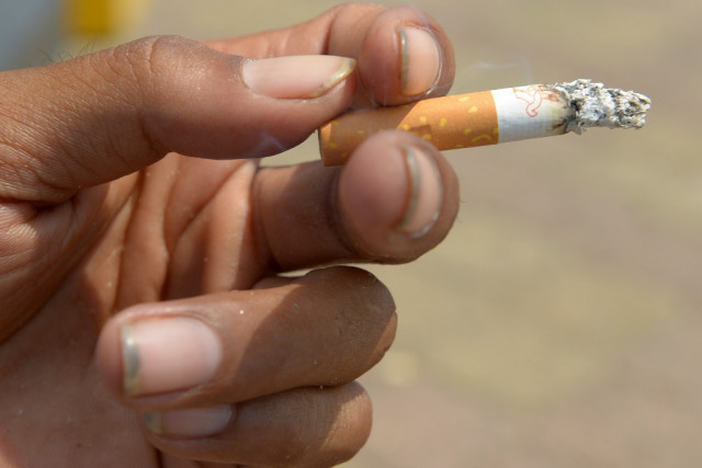Tougher control of tobacco consumption needed in Cambodia