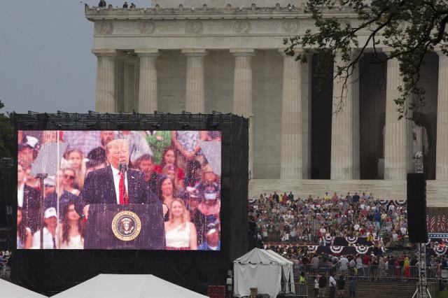 Trump celebrates US might, avoids politics in rousing July 4 speech