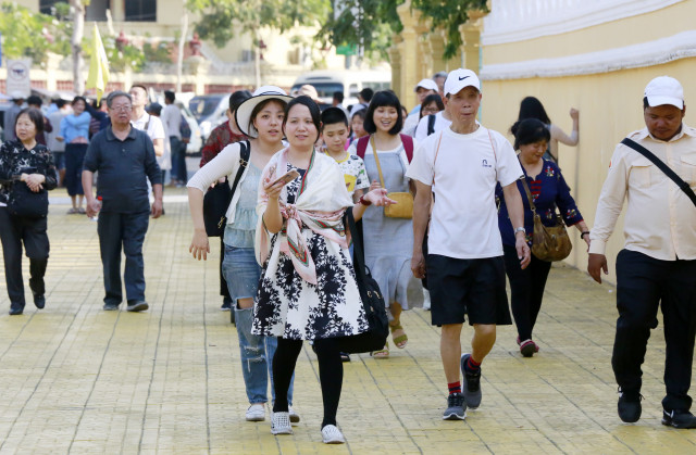 Chinese tourists to Cambodia exceed 1 mln in 5 months
