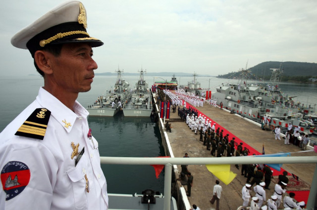 Hun Sen says report on navy deal with China fabricated
