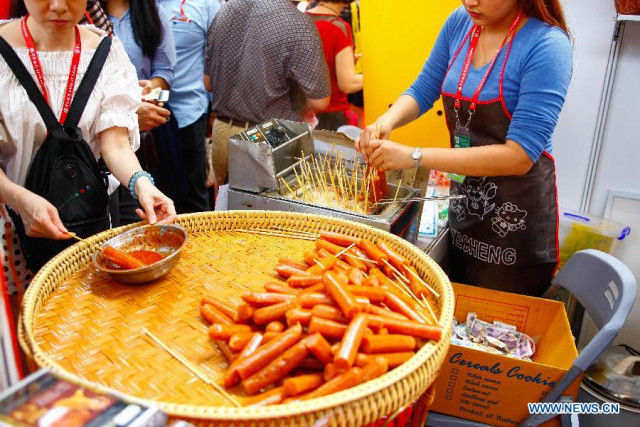 Thai health ministry vows to upgrade quality of street food to help boost tourism