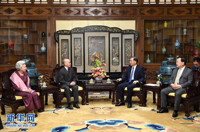 Chinese top political advisor meets Cambodian King, Queen Mother