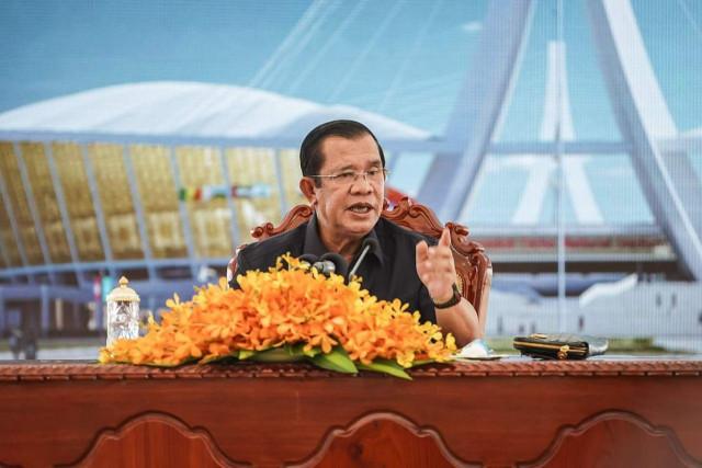 Hun Sen orders military to tighten security