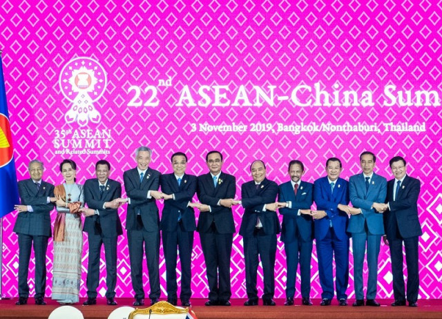 ASEAN, China dovetail development plans to facilitate all-round connectivity