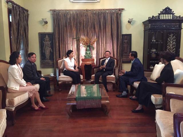 French ambassador Binh meets Kem Sokha