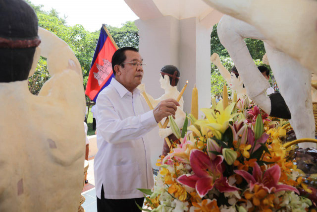 Hun Sen sends Christmas message