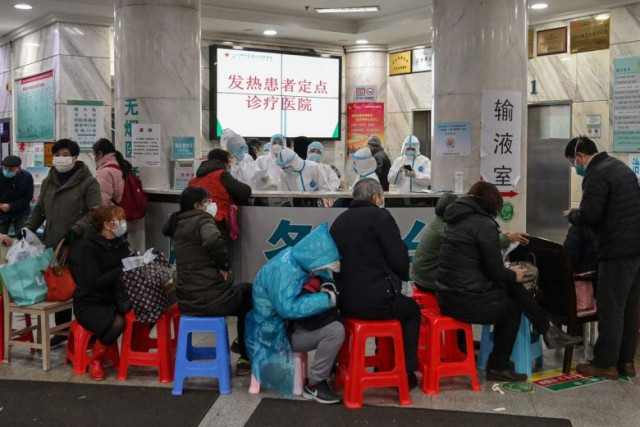 China deploys 450 military medical staff to virus epicentre