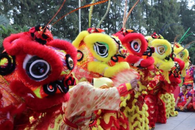 Lion dance performed in Cambodia to celebrate Chinese New Year
