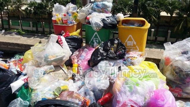 Phnom Penh Residents to Pay Garbage-Collection Fees Online