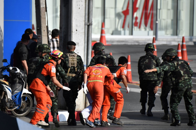 Thai soldier holds out in mall after killing 21 in mass shooting
