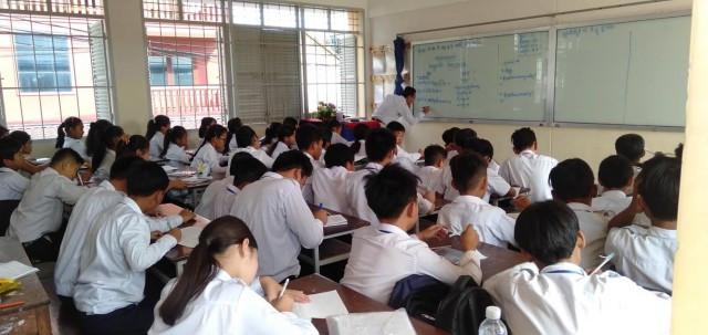More Cambodian Schools Ban Smartphones