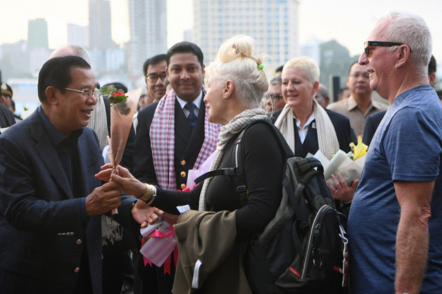 Hun Sen Greets Passengers of the MS Westerdam on Cambodia's Shore