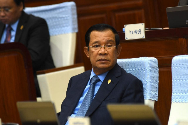 Prime Minister Hun Sen Denies Rumors that He Is Infected with Covid-19