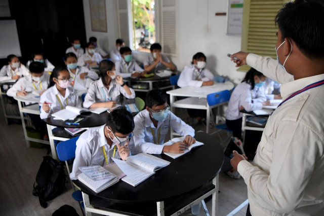 Schools in Phnom Penh and Siem Reap City Close for Early Summer Vacation