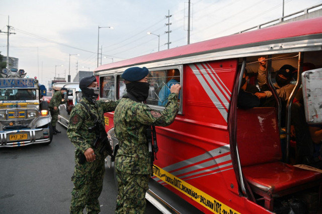 Philippines closes off capital to fight virus