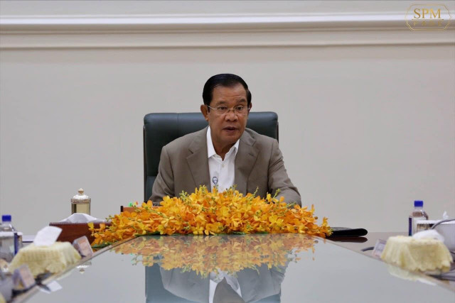 Hun Sen Donates Seven Months of Salary to Fight COVID-19