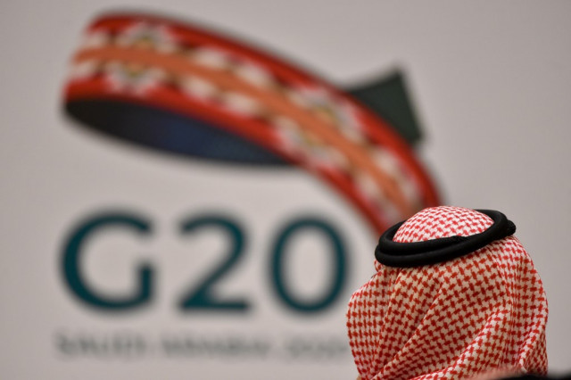 G20 ministers struggle to finalise oil output cuts despite US efforts