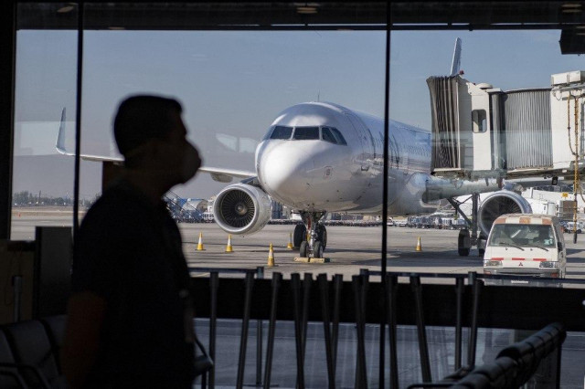 Virus could mean 1.2 bln fewer airline passengers: UN agency