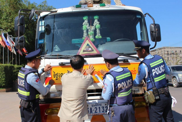 Interior Minister Sar Kheng Says New Measures Meant to Curb Traffic Accidents