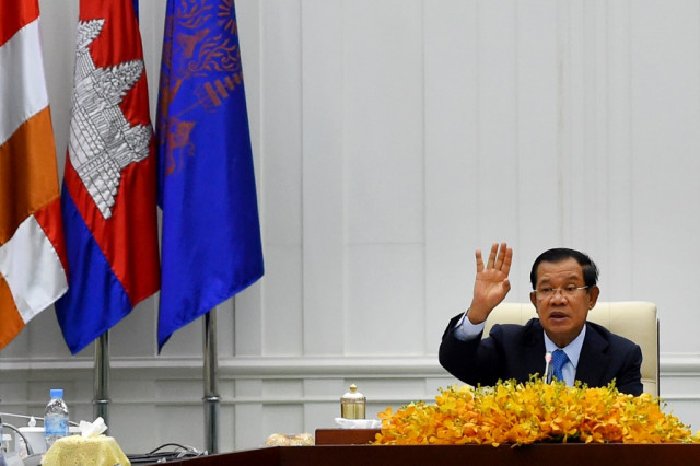 Prime Minister Hun Sen Thanks the Press for its Role during COVID-19