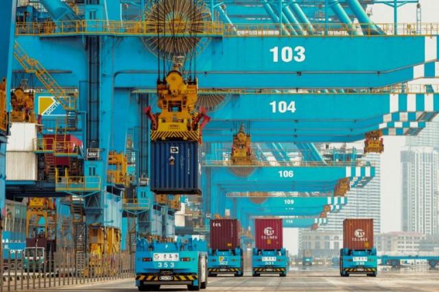 China exporters look inwards as virus hits overseas markets
