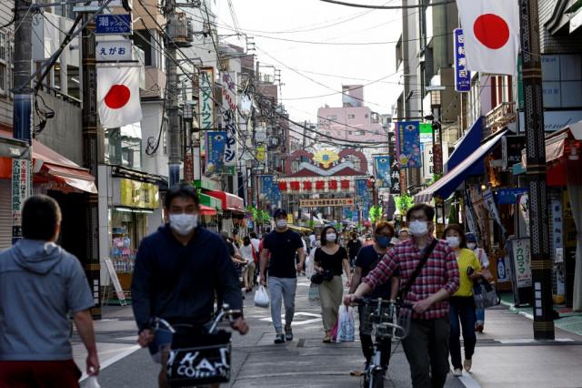Japan set to lift coronavirus emergency as cases slow