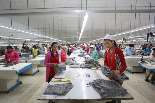 More than 130,000 Cambodians Affected as 256 Factories Suspend Operations