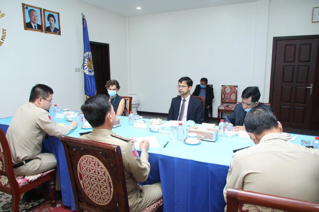 The UN Human Rights Office in Cambodia Offers Training to the National Police