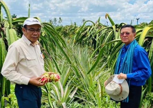 Former Opposition Leader Kem Sokha Visits Provinces for First Time Since Arrest