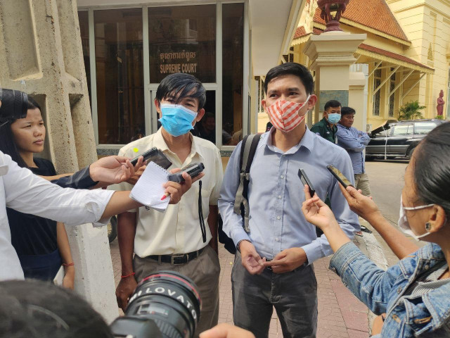Supreme Court Upholds Retrial Verdict for Journalists
