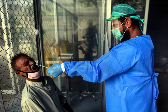 Pakistan puzzles health experts as virus cases drop