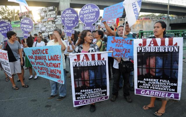 Philippines delays release of US marine in transgender killing