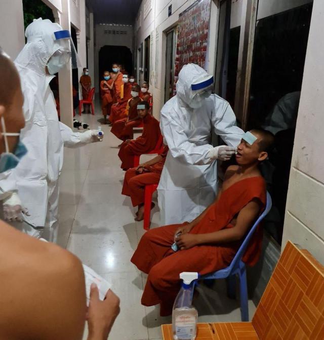 Large Number of Monks Develop Flu-like Symptoms in Battambang