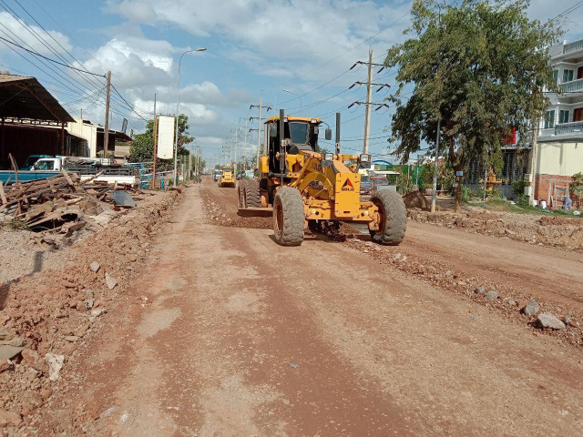 Siem Reap Province Gives People 10 Days to Remove Houses or Stalls Illegally Built along Roads or Canals