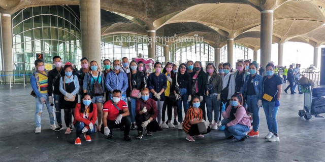 Cambodian Embassy Repatriated 27 Cambodian Factory Workers from Jordan