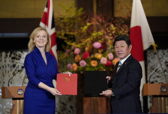 Britain signs post-Brexit trade deal with Japan