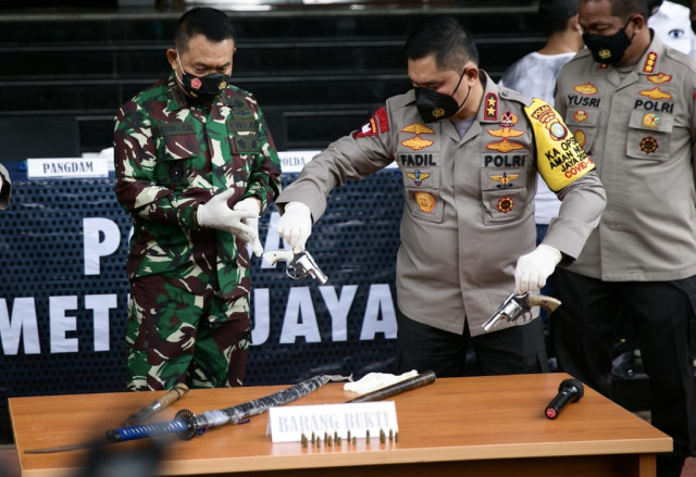 Indonesian police shoot dead six supporters of firebrand cleric