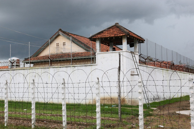 """Cambodia's Prisons at """"Tipping Point"""" Over COVID-19 Concerns"""