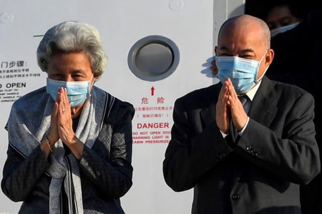 King Norodom Sihamoni and Queen Monineath Sihanouk Donate $1 million for COVID-19 Vaccine