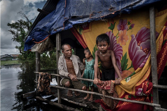 Zalmaï – a Photographer Goes about Putting Communities of the Tonle Sap Lake in the Limelight