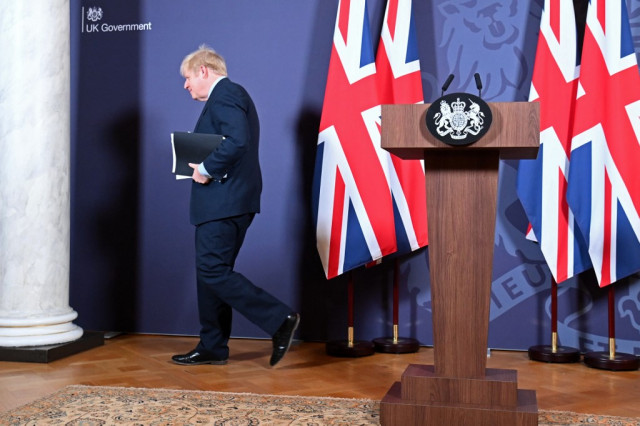 'Christmas present'? Britons in two minds about Brexit deal