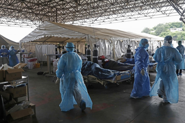 SAfrica virus strain more contagious, experts confirm