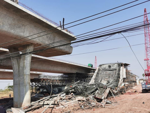 At Least Seven Cambodians Injured in Thai Overpass Collapse