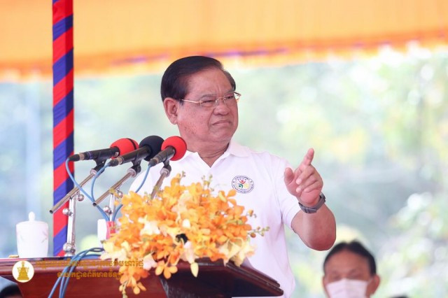 Interior Minister Sar Kheng Orders Firefighters to Stop Extorting People